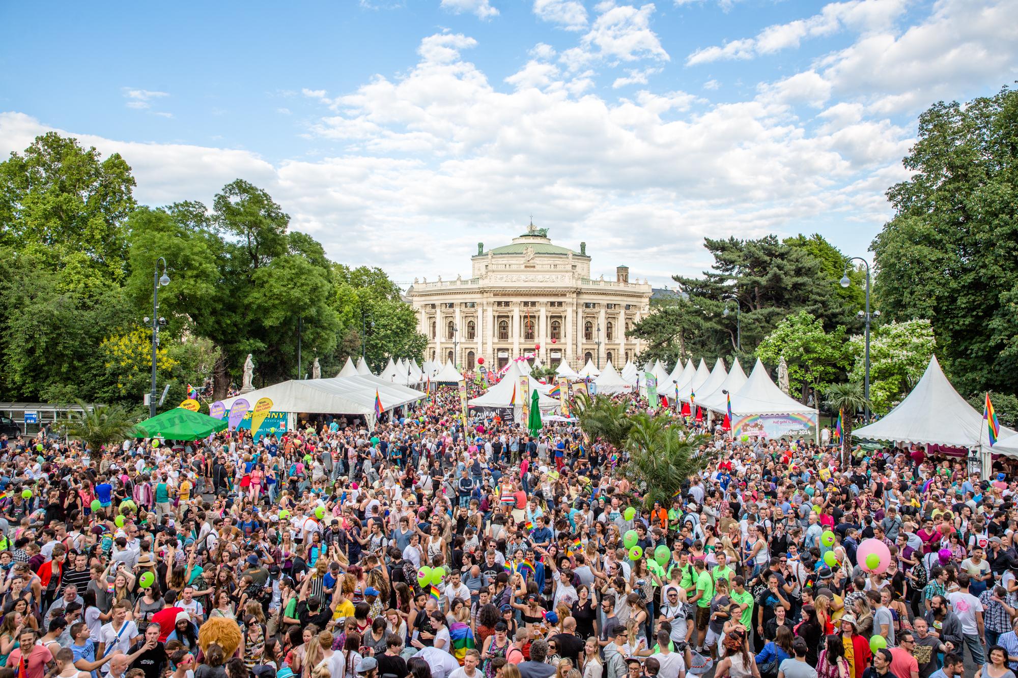 Pride Village 2014 Rathausplatz