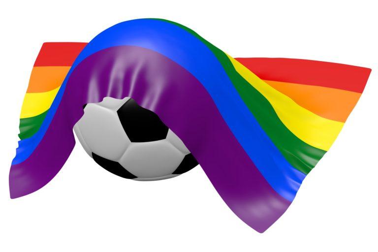 Fussball unter Regenbogenflagge, symbolisch