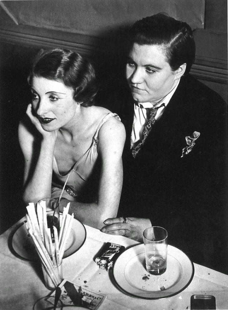 Lesbian couple at Le Monocle, Paris, 1932 (1)